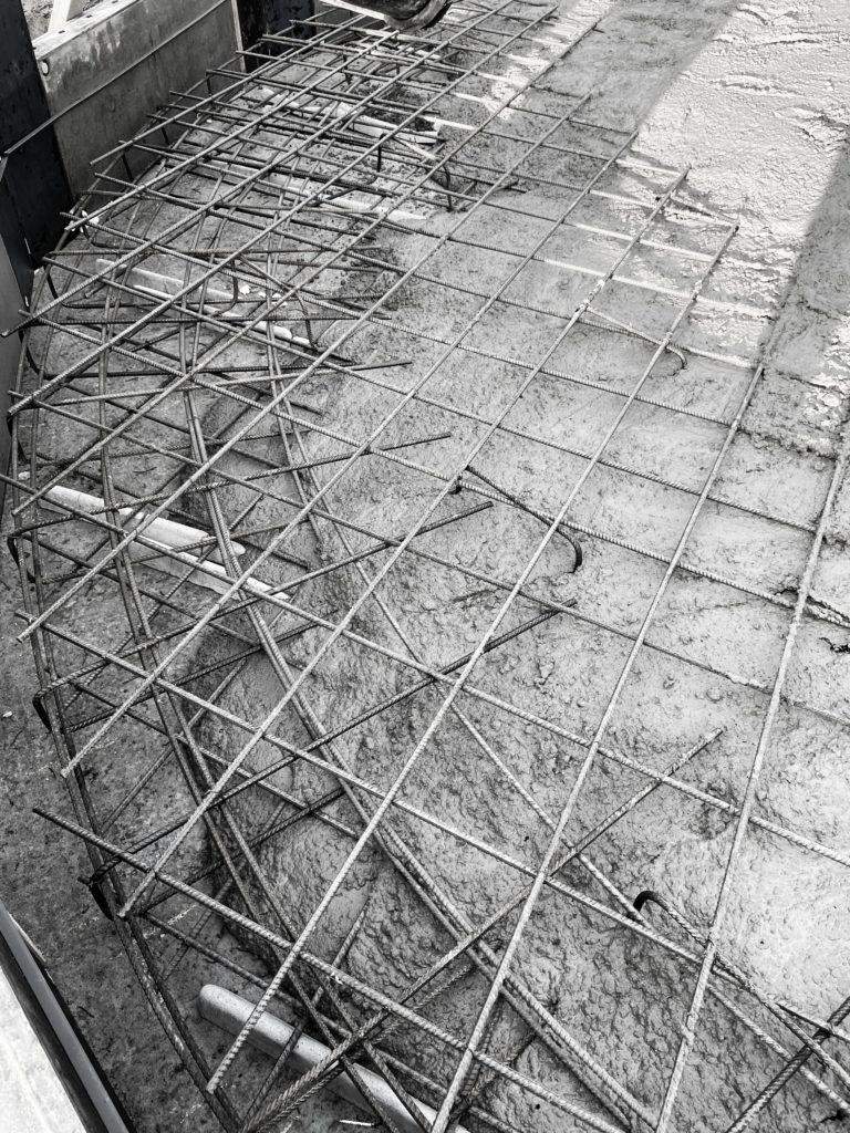 Betonowanie płyty fundamnetowej podzbiornik wody
